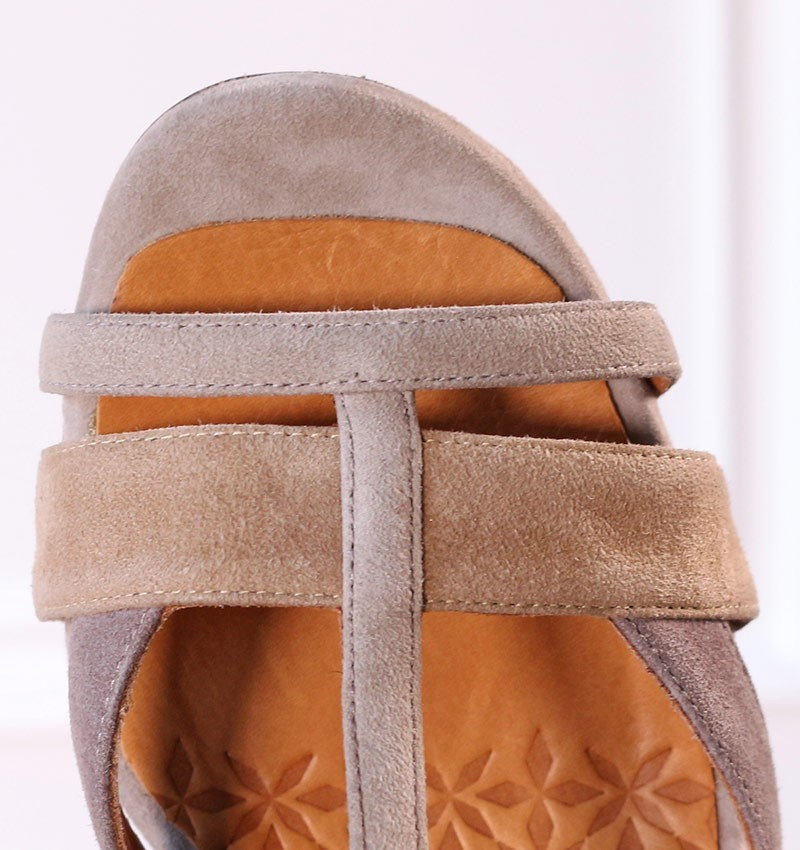 sandals-brown-ujo-sand