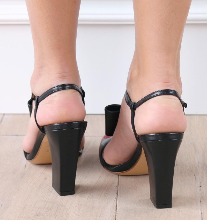 ELLE BLACK CHiE sandalias