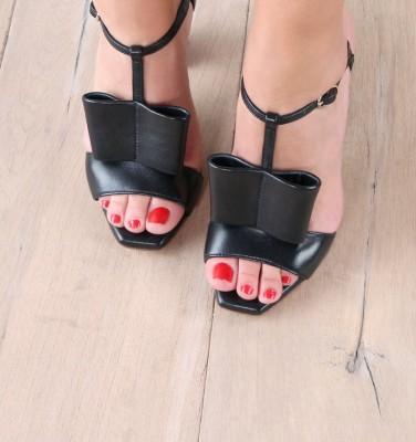 ELLE BLACK CHiE sandals