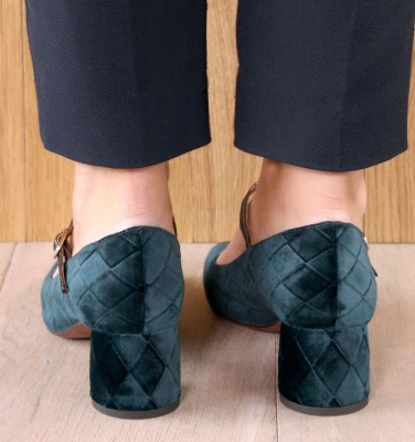 TURNOUT DARK GREEN CHiE MIHARA zapatos