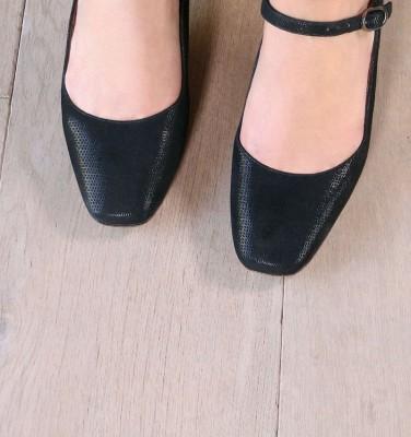TUESDAY BLACK CHiE MIHARA zapatos