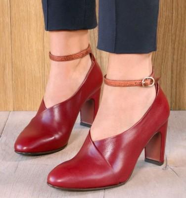 EASY BURGUNDY CHiE MIHARA zapatos