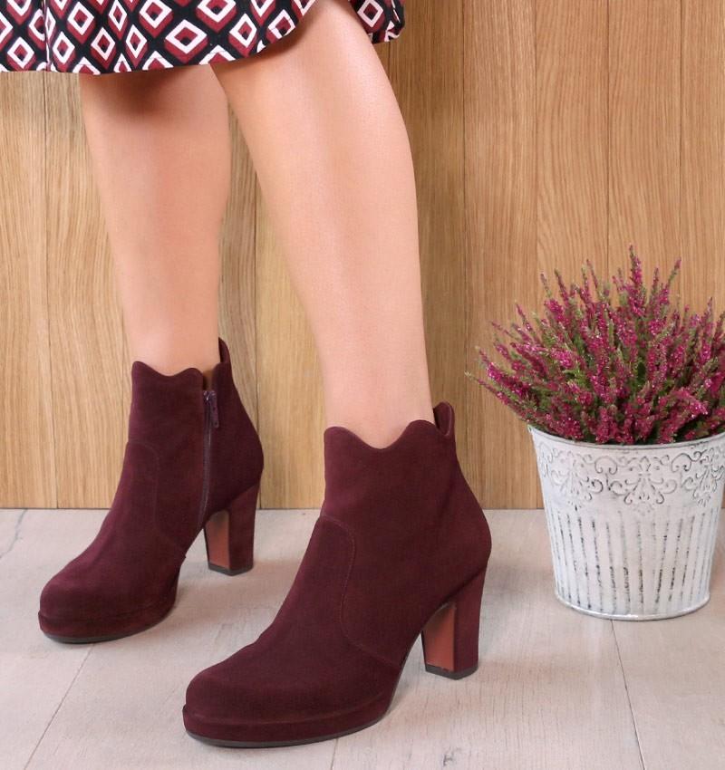 JUMAN GRAPE CHiE MIHARA boots