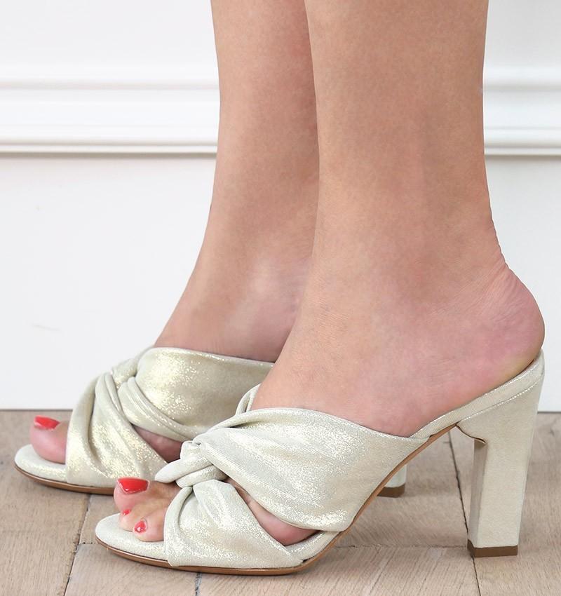 D-SONYA GOLD CHiE sandales