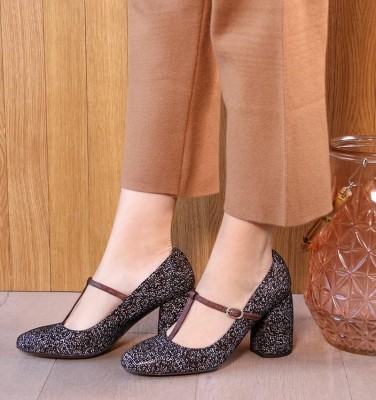 SASSA DARK BROWN CHiE MIHARA zapatos