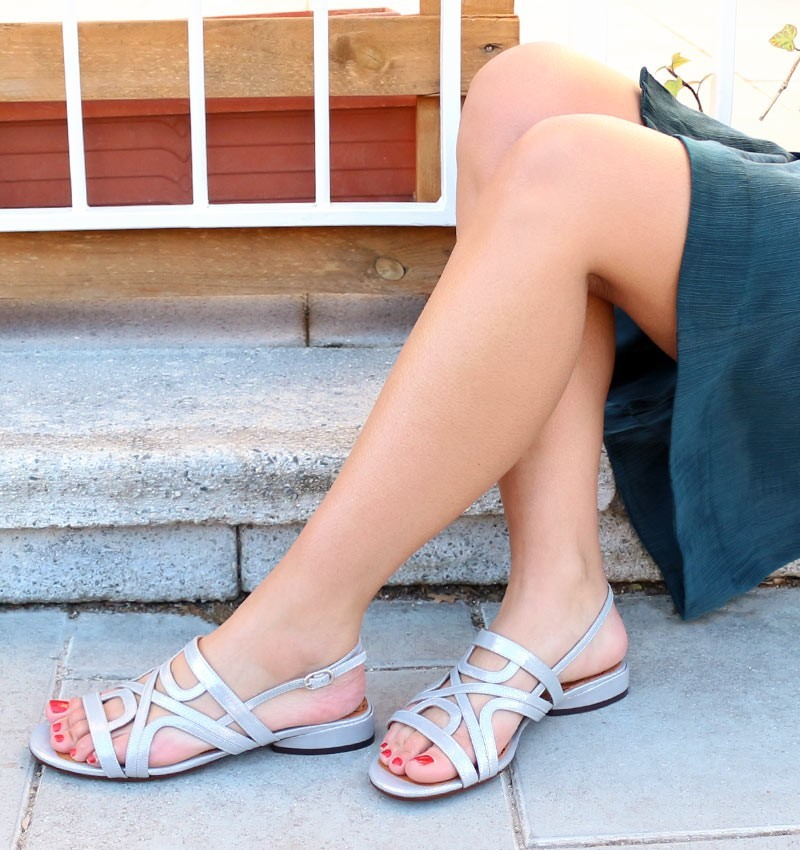VECU SILVER CHiE MIHARA sandals