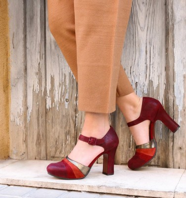 DELUXE BURGUNDY GOLD CHiE MIHARA zapatos
