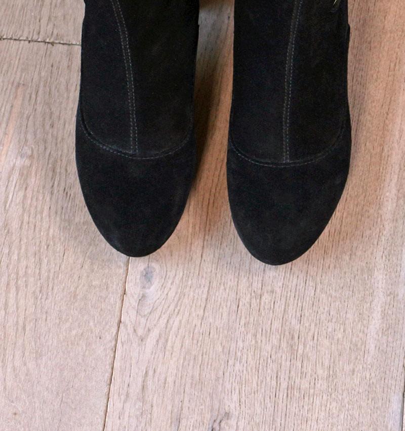 modra-black