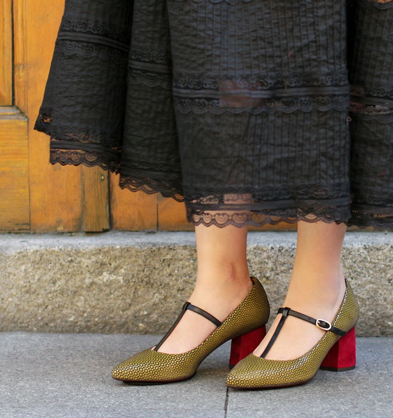 LOMBA OCRE CHiE MIHARA shoes