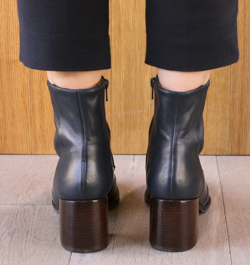 OR-OLU NAVY CHiE MIHARA boots