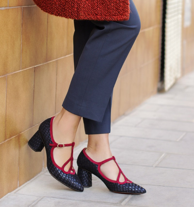 LOLO NAVY CHiE MIHARA shoes