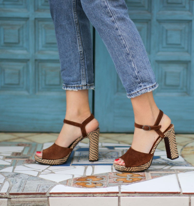 CASETTE BROWN CHiE MIHARA sandals