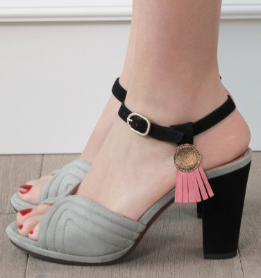 ABRIL GREY CHiE MIHARA sandals