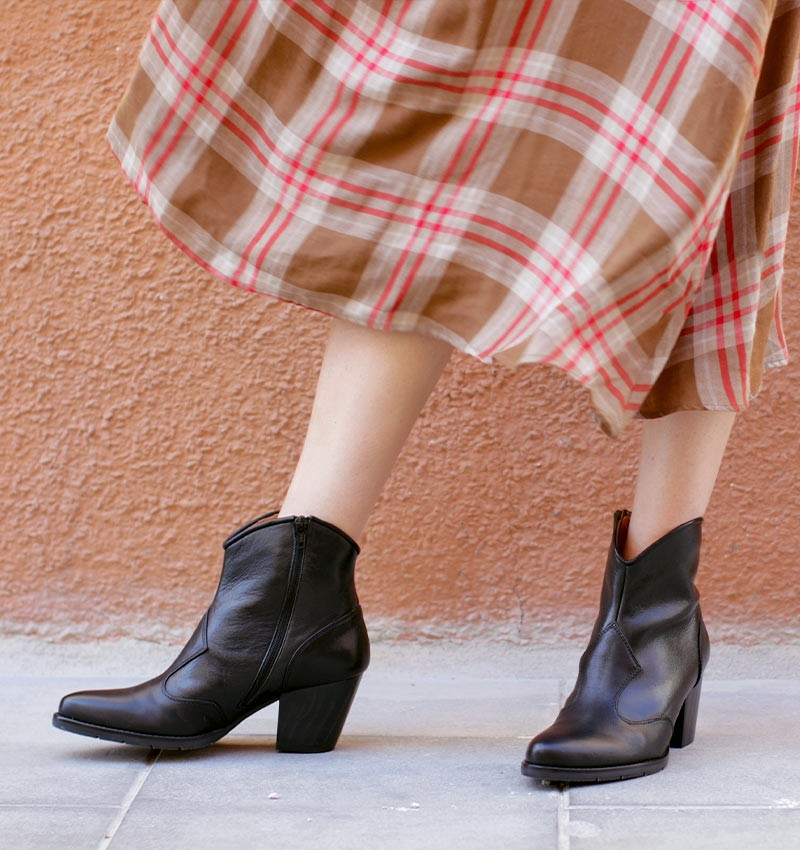 SALIE BLACK boots CHiE MIHARA
