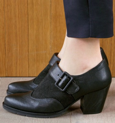 SIKA BLACK CHiE MIHARA zapatos
