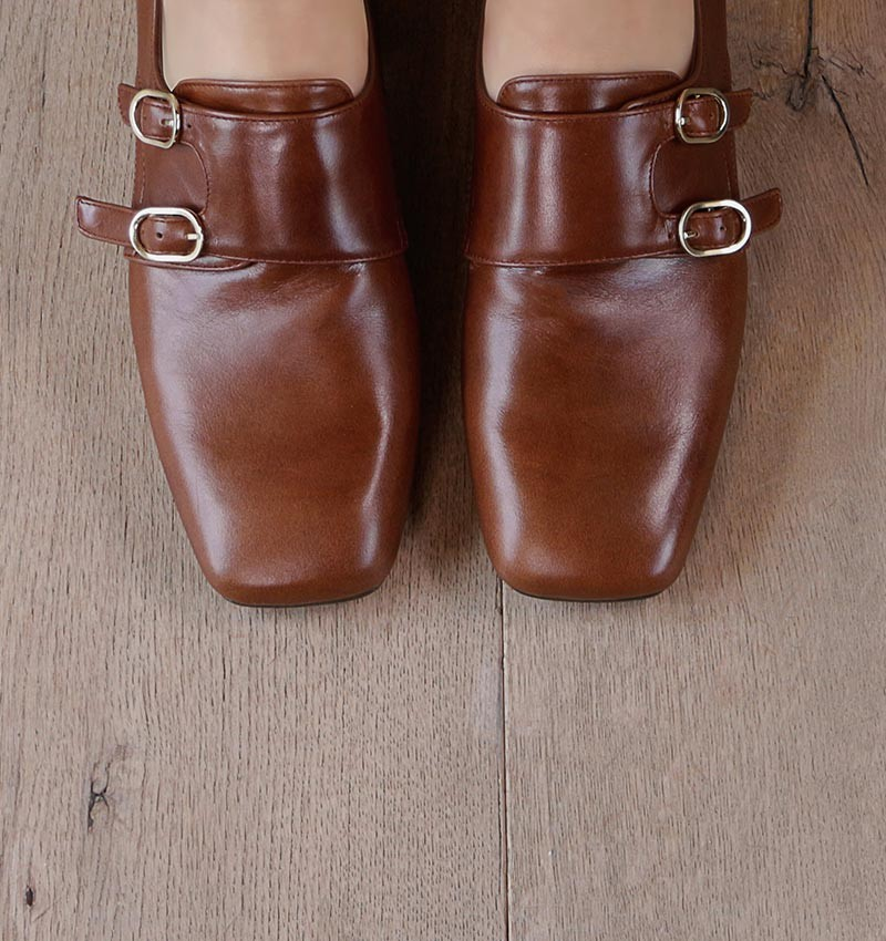 ZELIS BROWN CHiE MIHARA shoes