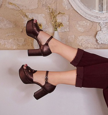 FANELA DARK BROWN CHiE MIHARA zapatos