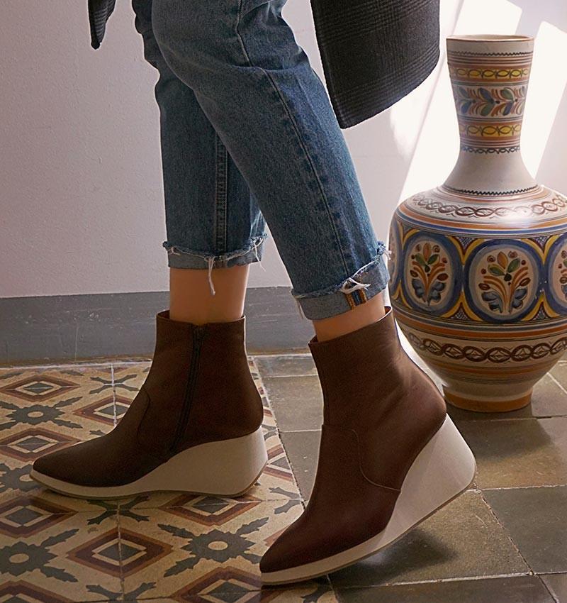 TELI DARK BROWN boots CHiE MIHARA