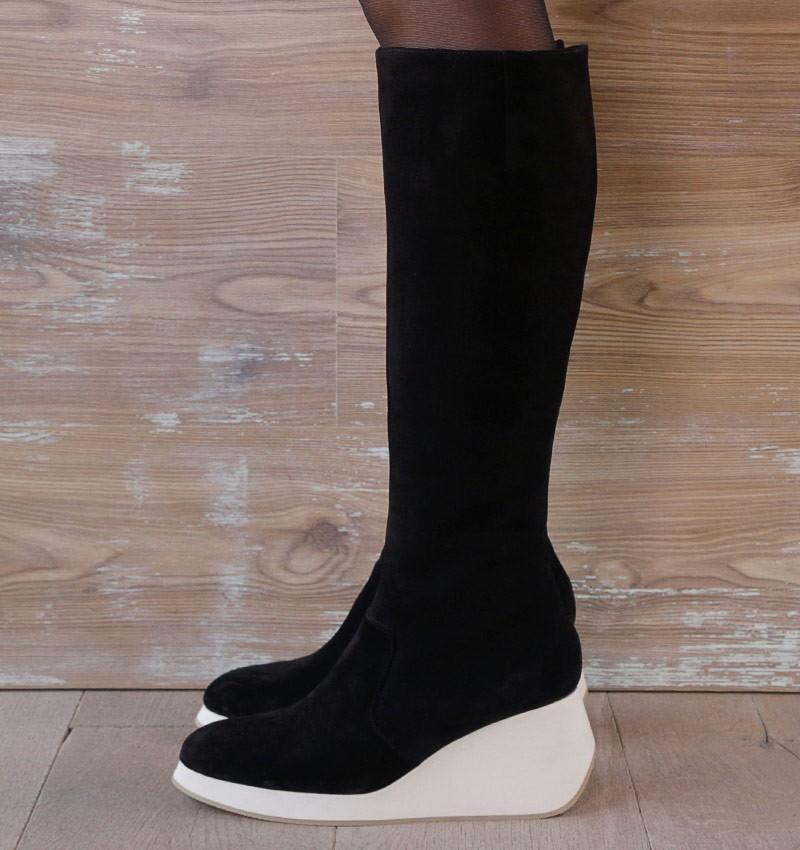 YELIKA NAVY boots CHiE MIHARA
