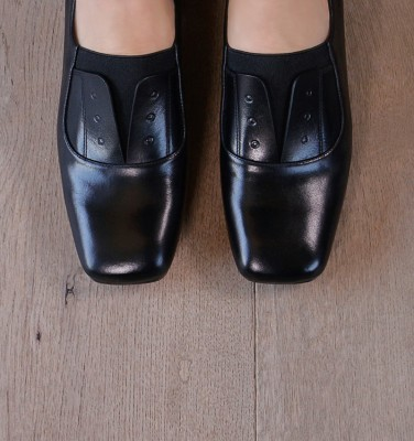 ZAMITA BLACK CHiE MIHARA shoes