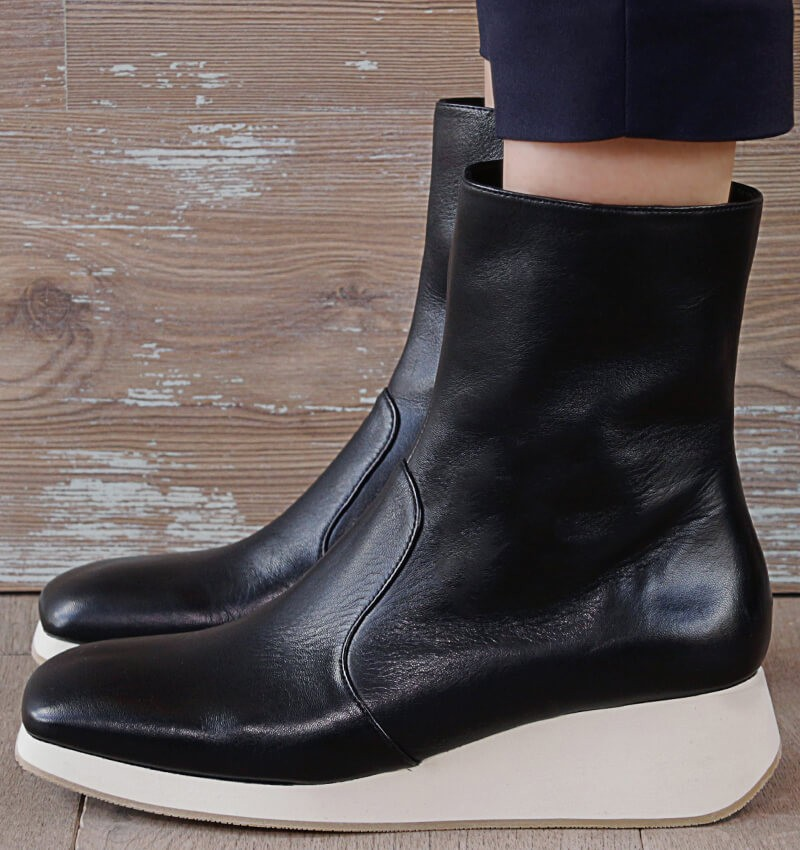 APRO BLACK CHiE MIHARA boots