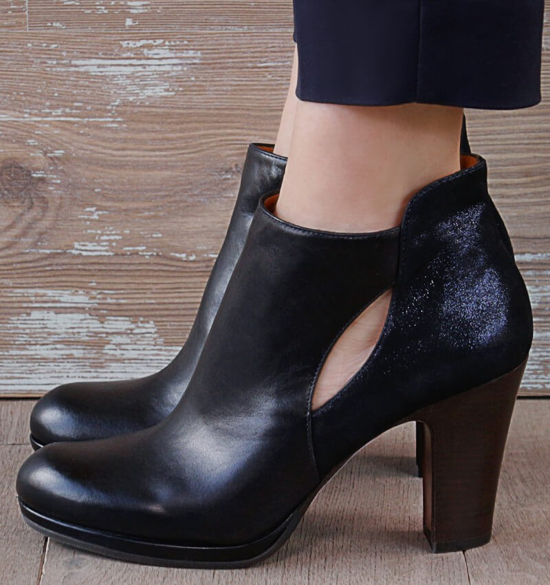 CABIS BLACK boots CHiE MIHARA