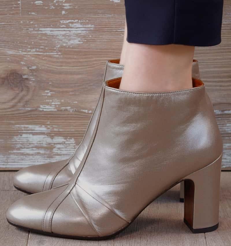 ERINA GOLD boots CHiE MIHARA