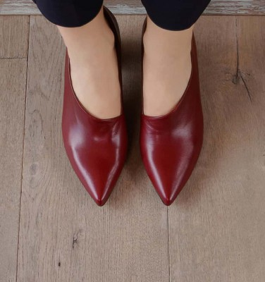 LOA BURGUNDY CHiE MIHARA shoes