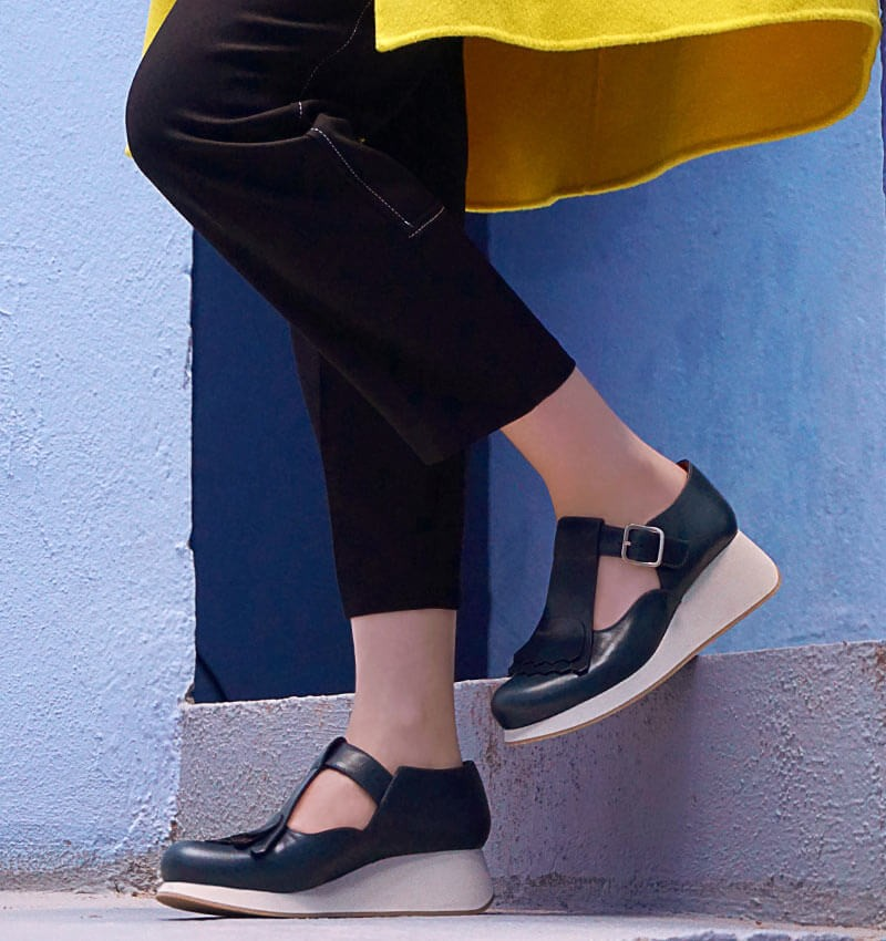 DRESTA NAVY CHiE MIHARA shoes