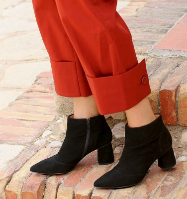 LULA BLACK SUEDE boots CHiE MIHARA