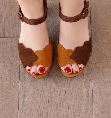 ELDORA BROWN CHiE MIHARA sandals