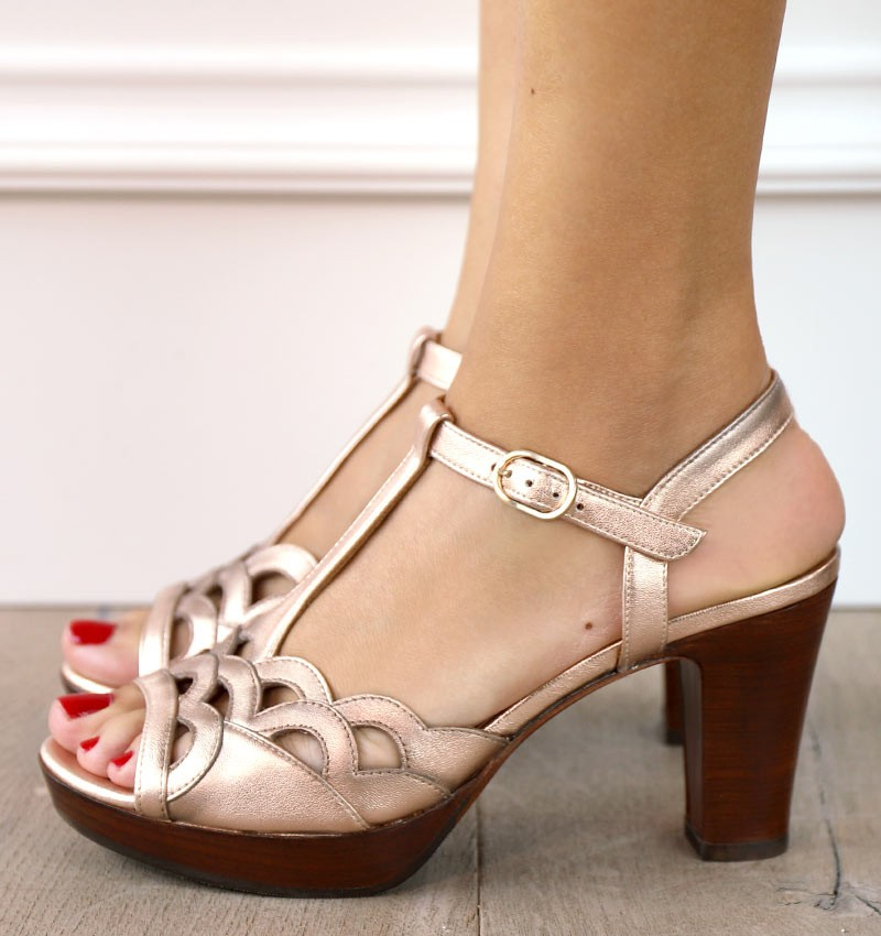 EMAL-T NUDE CHiE MIHARA sandals