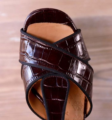 FELIA KENYA GRAPE CHiE MIHARA sandals