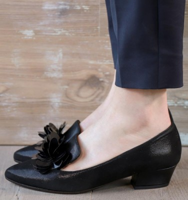 RONDITA BLACK CHiE MIHARA shoes