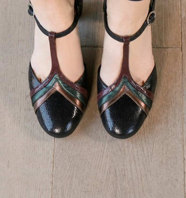 WALKI BLACK CHiE MIHARA shoes
