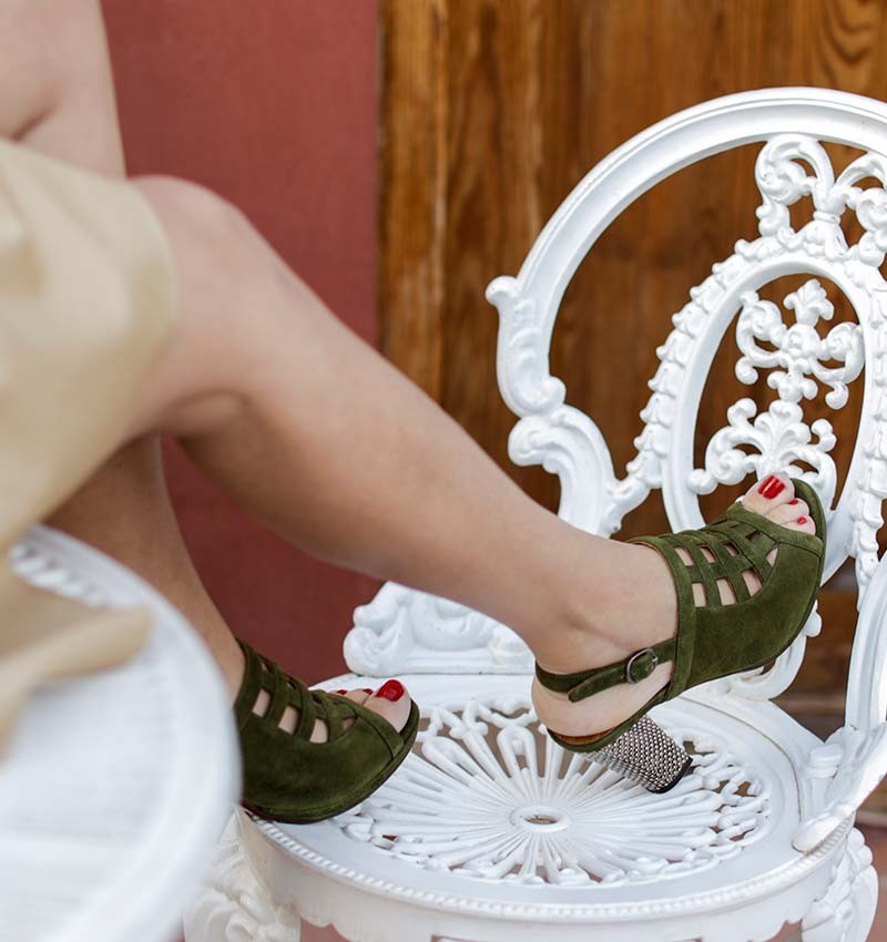 ABACO KHAKI CHiE MIHARA sandals