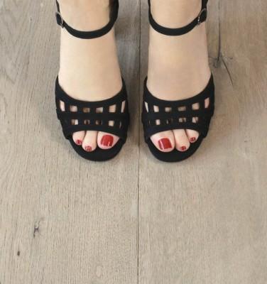 BABIL BLACK CHiE MIHARA sandals