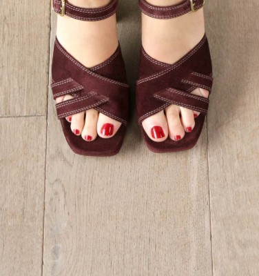 GANIKA GRAPE CHiE MIHARA sandals