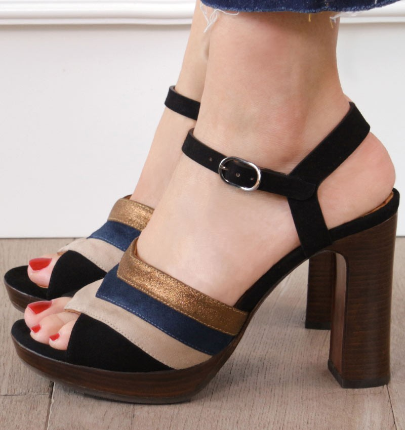 CALITA BROWN CHiE MIHARA sandals