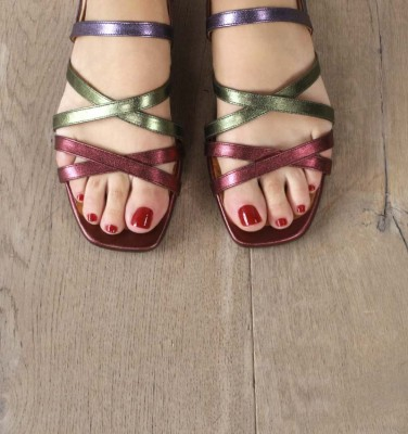 TELO GRAPE CHiE MIHARA sandals