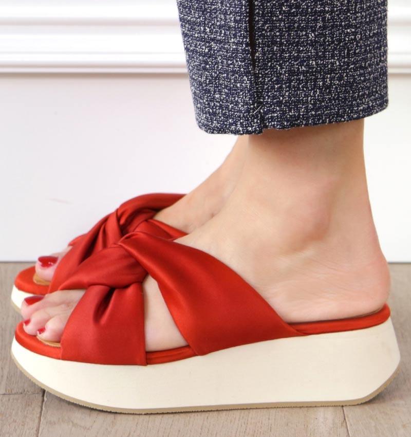 WO-MUZAN ORANGE CHiE MIHARA sandals