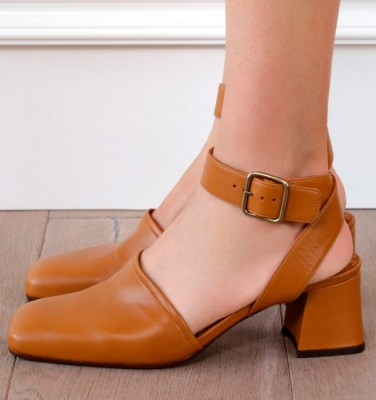VOGEN BROWN CHiE MIHARA shoes
