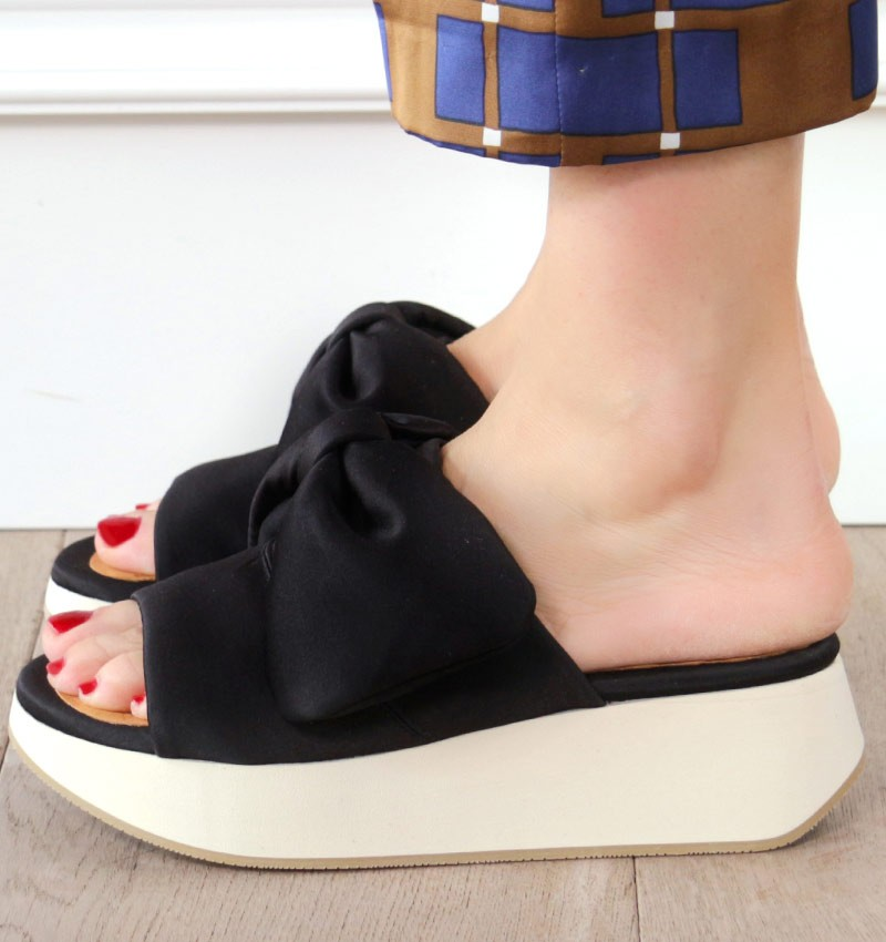 WO-DREAMY BLACK CHiE MIHARA sandals