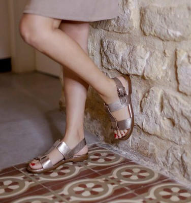 WASY SILVER CHiE MIHARA sandals