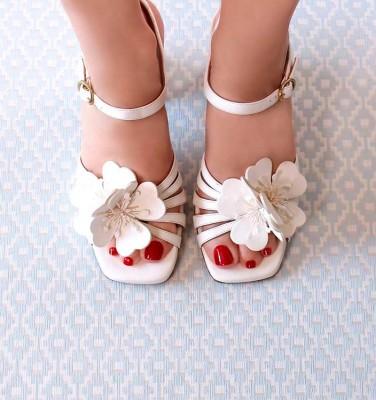 BRI-PIROCA OFF-WHITE CHiE MIHARA bridal