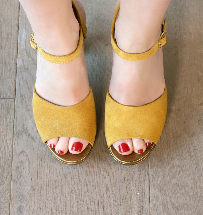 CASETTE OCHRE CHiE MIHARA sandals