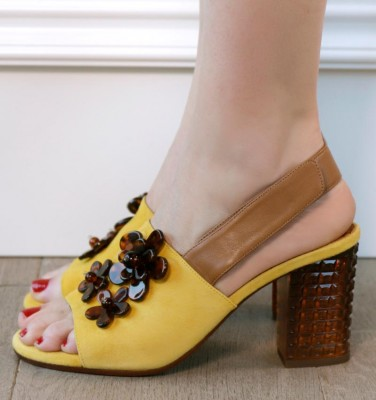 KILLA YELLOW CHiE MIHARA sandals