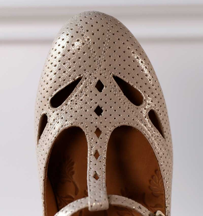 MAMY GOLD CHiE MIHARA shoes