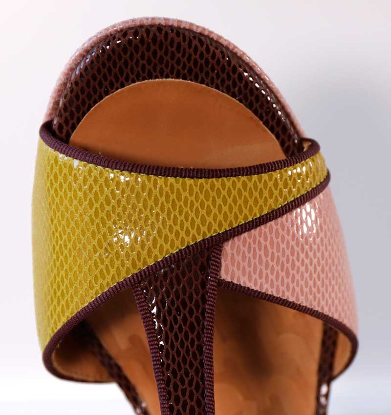NATI BROWN CHiE MIHARA sandals