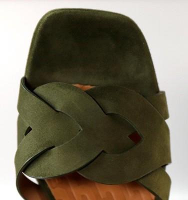 GAURA KHAKI CHiE MIHARA sandals